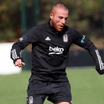 Le Gökhan large s'est blessé Besiktas - Sports News